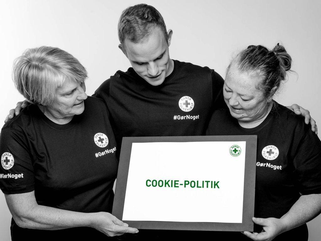 cookiepolitik_frivillige_goer_noget_med_skilt