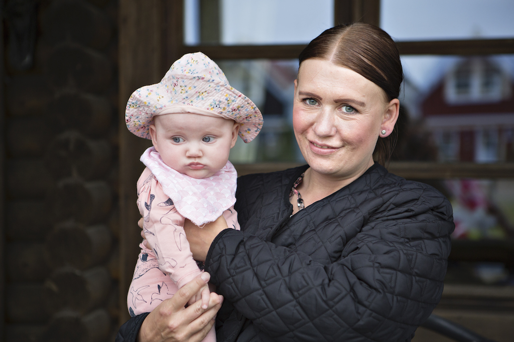 Dansk Folkehjælp Ho Feriecenter 2020. Ditte, 33 år og mor til Monika (billedet) og Melanie på 9 år.